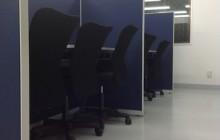 学習塾 ブルー・ブラック・ホワイト色にて適度な緊張と緩和を提案。